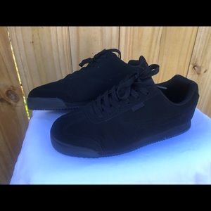 Black FILA Sneakers 👟